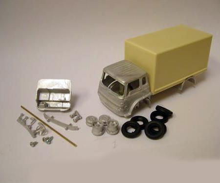 Bedford TK Box Van Medium Chassis (L120mm)