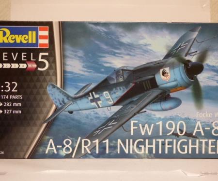 F4U-4 Corsair Revell Kit 1:72 RV03955